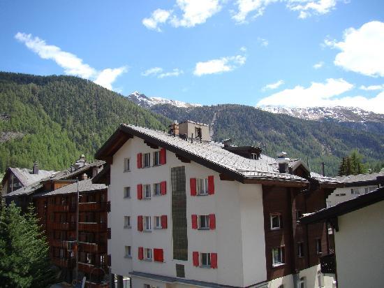Hotel Simi Zermatt: View from the balcony