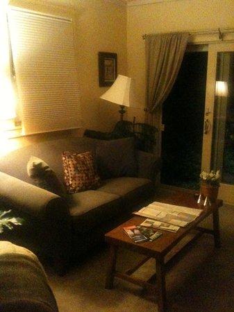 Arbor House: Love Seat