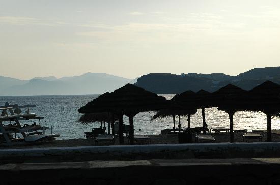 Far-Out Village Hotel: Beach