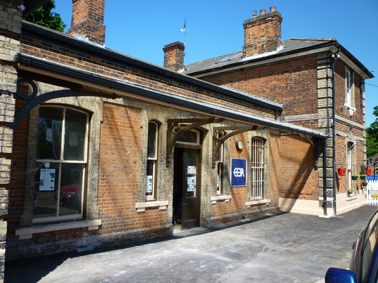 Epping Ongar Railway : Ongar's station dates from 1865 and has been restored into its original condition by our volunte