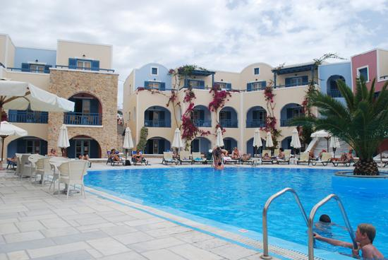 Aegean Plaza Hotel : The pool side