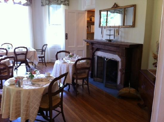 Mount Merino Manor: Dining Room