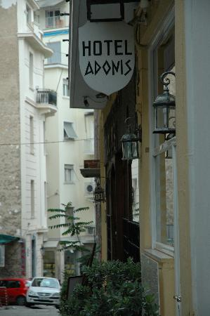 Adonis Hotel: Front of hotel