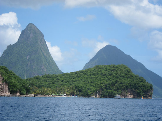Marigot Bay, St. Lucia: the majestic Pitons