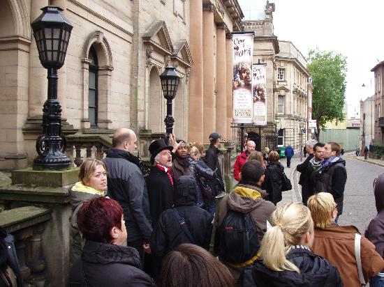 Nottingham Heroes & Villains Tour: Uncover hidden tales of Nottingham's past