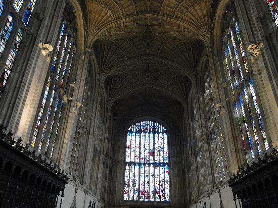 King's College Chapel: Exquisite stained glass and fan vaulted ceiling