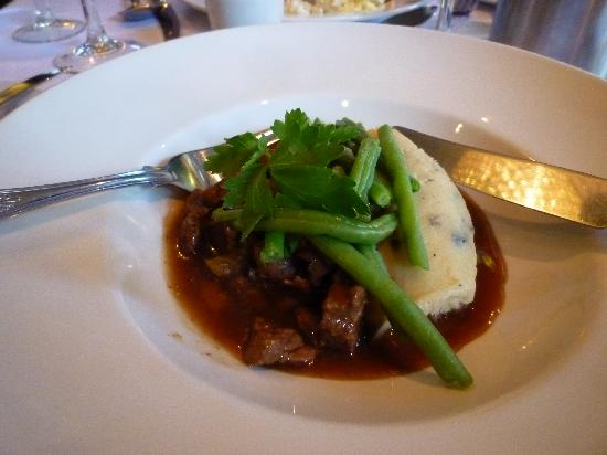 Nidd, UK: Beef Stew and Green Beans