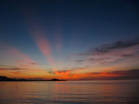 W Retreat Koh Samui: Sonnenuntergang am Strand