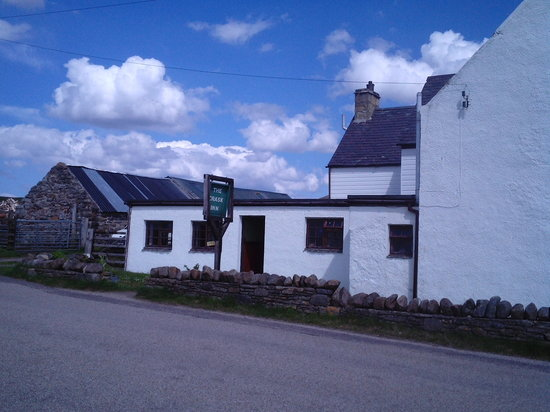 Lairg, UK: The Crask Inn - what a place!