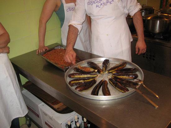 Cooking Alaturka: Stuffing the aubergines