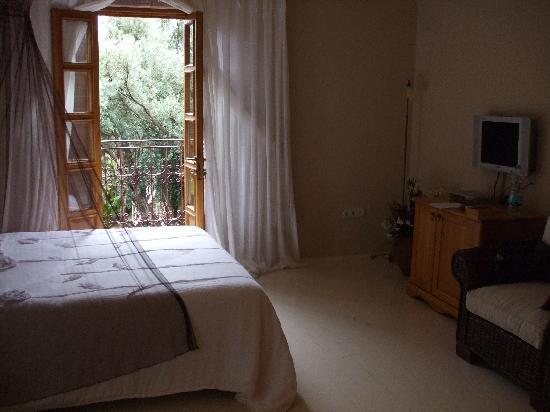 Jade Residence: Typical Bedroom