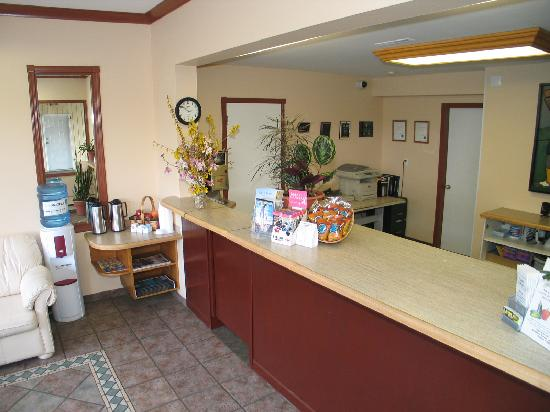 The Recreation Inn & Suites: reception