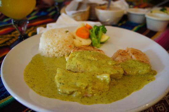 Miguelocos Grill and Cantina: Fish cilantro(love it~)