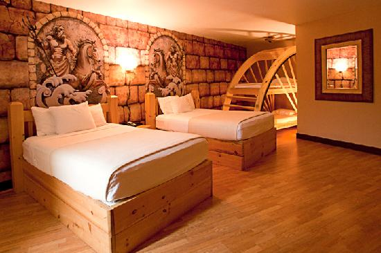 Mt Olympus Resort Hotel Rome Queen Family Suite