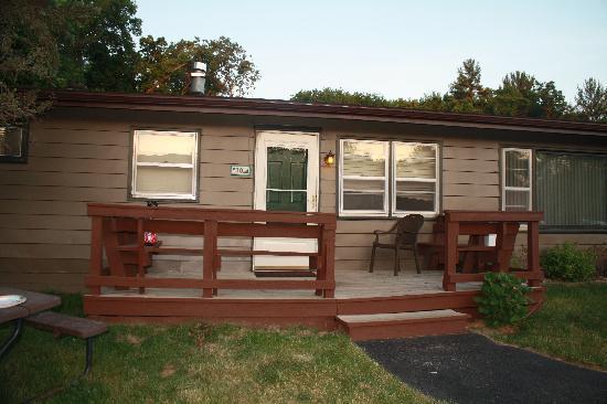 Baker's Sunset Bay Resort: Our cabin/duplex