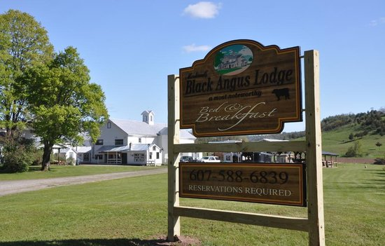 Morkaut's Black Angus Lodge Bed and Breakfast
