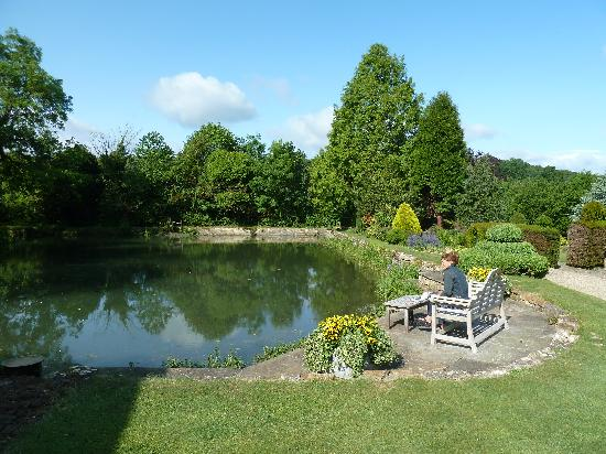 Mill Hay Country House: The Pond
