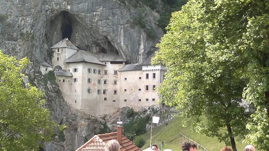 Postojna, Eslovenia: Predjama Castle
