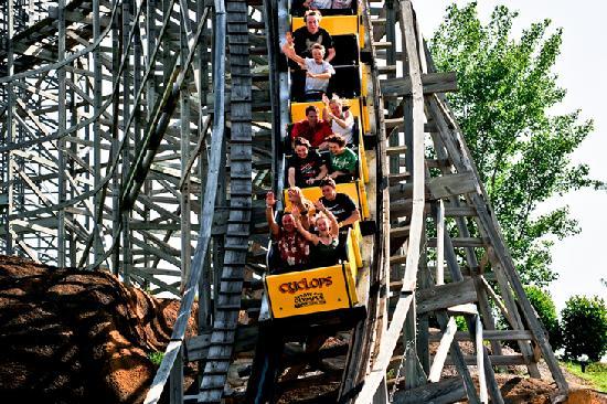 Mt. Olympus Resort: Zeu's Outdoor Theme Park - Cyclops Rollercoaster