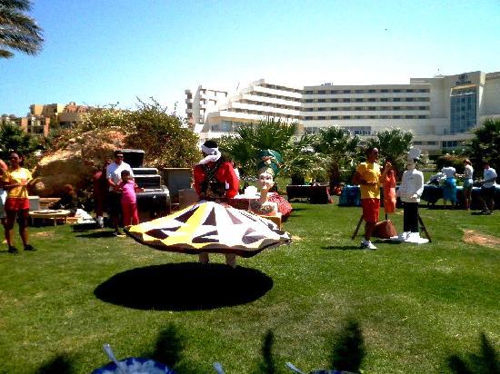 Hilton Hurghada Plaza: ланч + шоу