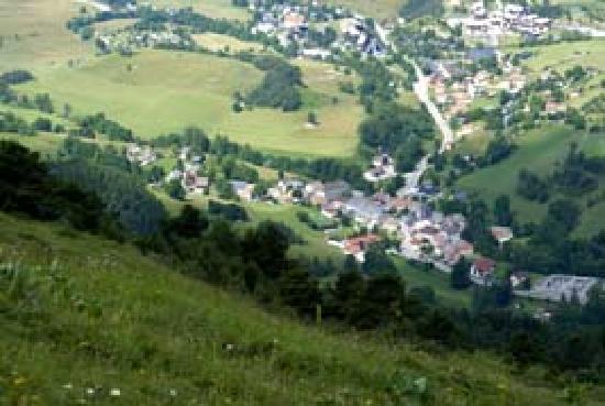 L'Auberge Buissonniere: le village