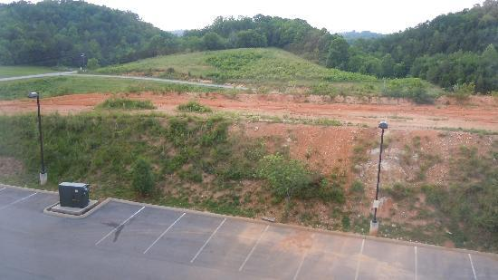 Hampton Inn Sevierville: first night view.....non-ball park view