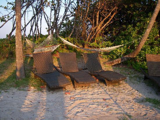 Jupiter Beach Resort: Hammocks and Chairs for Relaxing