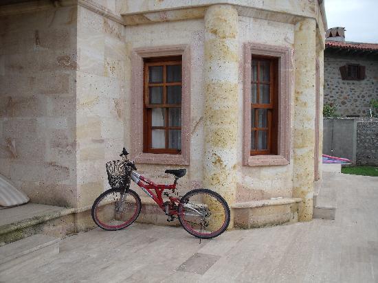 Jumali House: Bike