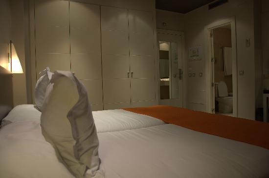Suites Viena : Ingresso/Bagno