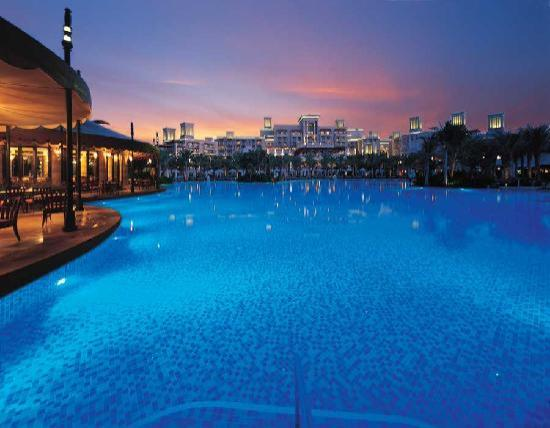 Jumeirah Al Qasr at Madinat Jumeirah: view from pool to hotel