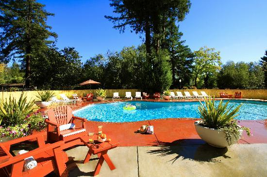West Sonoma Inn & Spa: Our sunny pool!