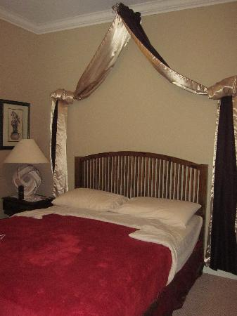 Graystone Bed and Breakfast: My Beautiful Room!
