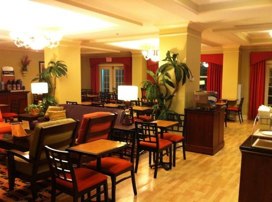Holiday Inn Express Greenville I-85 and Woodruff Road: Breakfast room