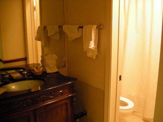 Casa Mariquita Hotel: Casa Mariquita bathroom area