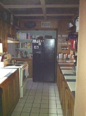 The Twin Turrets Inn: free kitchen