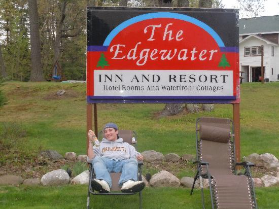 Edgewater Inn & Cottages: Lake Side