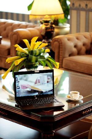 Fortuna Hotel Hanoi: All Day Tea & Coffee at Capital Lounge