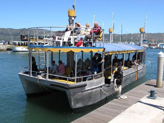 Книсна, Южная Африка: Three Legs docking in the Knysna Waterfront