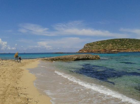 Ses Savines Hotel: Cala conta beach. 9euro return from san antonio. Boat takes and picks you up from the beach!