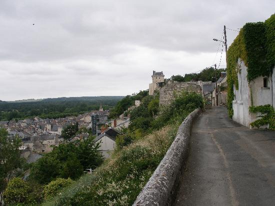 Les Cathelinettes: Höhenweg zur Burg