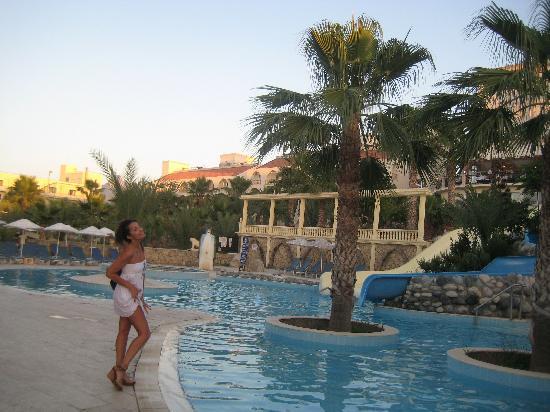 Oscar Resort Hotel: Pool at Oscar resort