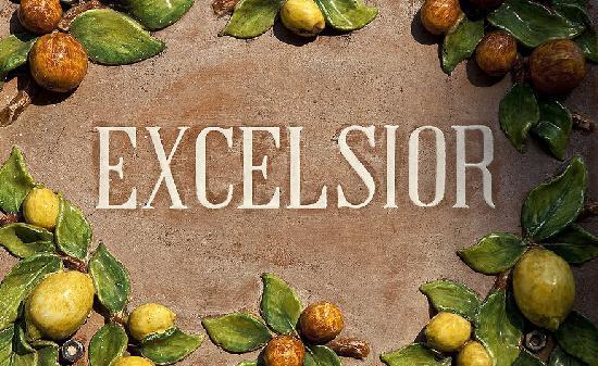 Grand Hotel Excelsior: entrance