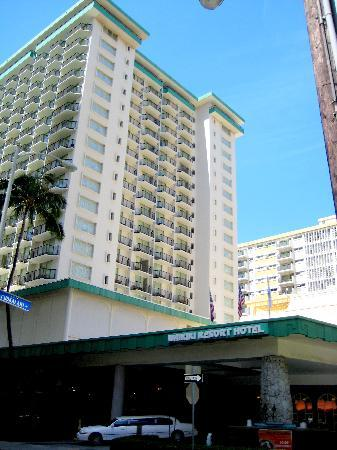 Waikiki Resort Hotel : Exterior of hotel