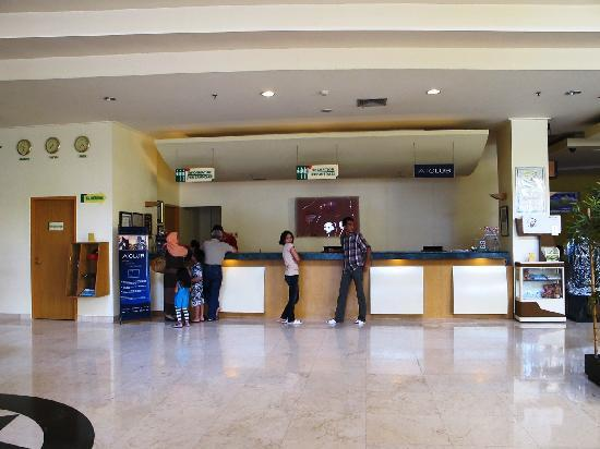 Hotel Ibis Yogyakarta Malioboro: Check-in area