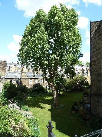 Egerton House Hotel: courtyard