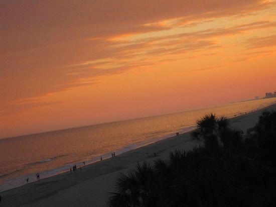 Long Bay Resort : Sunset from room 422