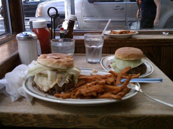 Jackson Hole--Madison Avenue : Stop staring at my burger!