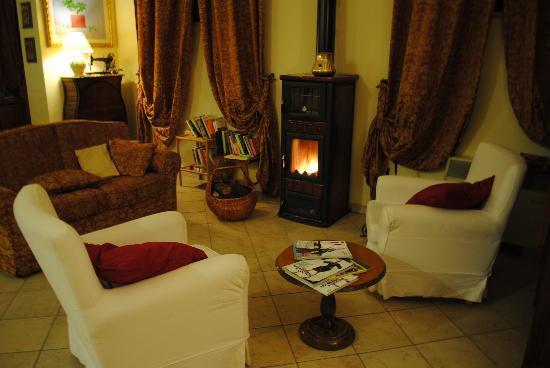 Hotel Tuscania Panoramico: lobby
