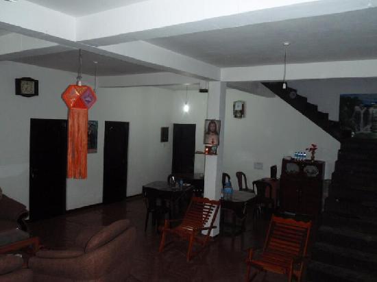 Chez Allen: Living area