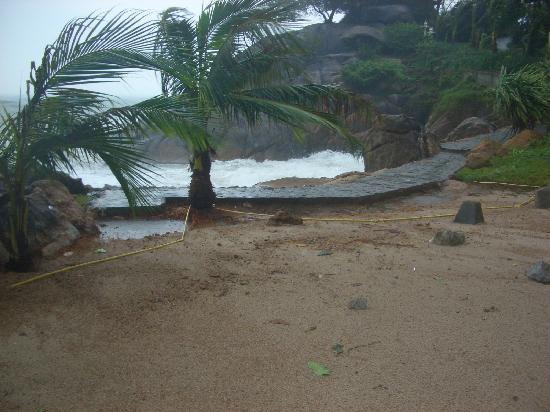 "Merit Wellness & Mind Retreat Resort Samui: der ""Strand"""